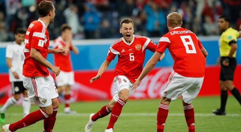 """MŚ 2018: """"Król"""" Salah nie wystarczył, Rosja blisko awansu do fazy pucharowej, Rosja 3:1 Egipt"""