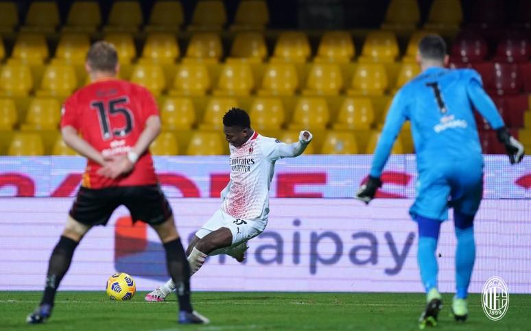 Wiedźmy nie takie straszne, zwycięstwo na początek roku - Benevento 0:2 Milan