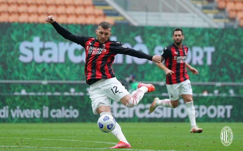 Cały czas w grze. Milan 2-1 Genoa.