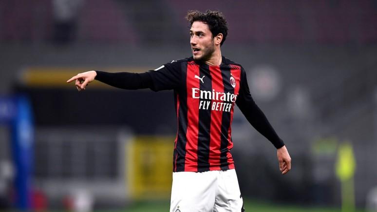 """Calabria: """"Gra dla AC Milan była moim marzeniem, teraz celem jest wygrywanie z tą koszulką""""."""
