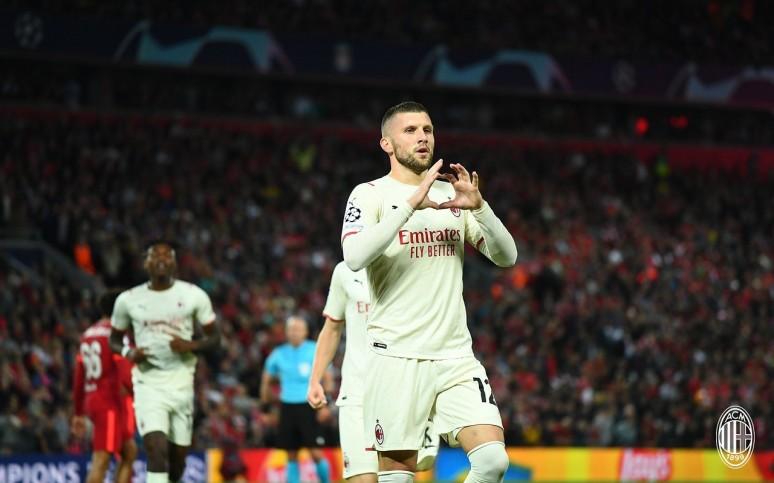 Grad bramek na Anfield - Liverpool 3:2 Milan