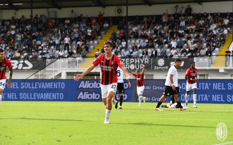 Tato, dziadku, strzeliłem! Historyczny wyczyn Daniela Maldiniego - Spezia 1:2 Milan
